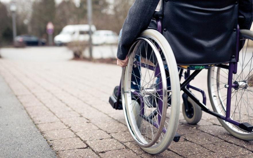 Divorzio: disabilità del figlio maggiorenne coniugato e assegno di mantenimento