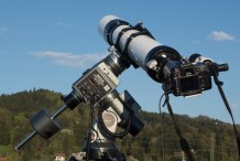 The Meade LXD650 carries the 127mm f/8 refractor easily.
