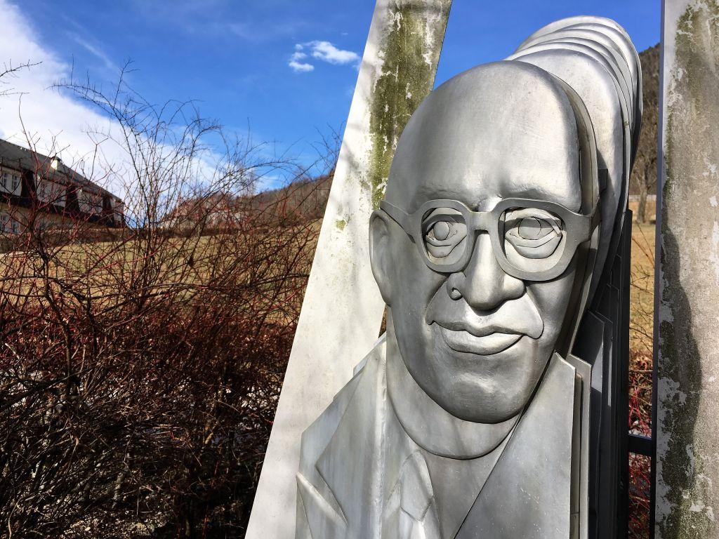 Leo Perutz Denkmal am Wolfgangsee