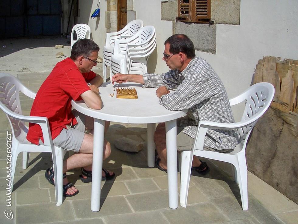 Vor dem Abendessen noch eine Partie Schach