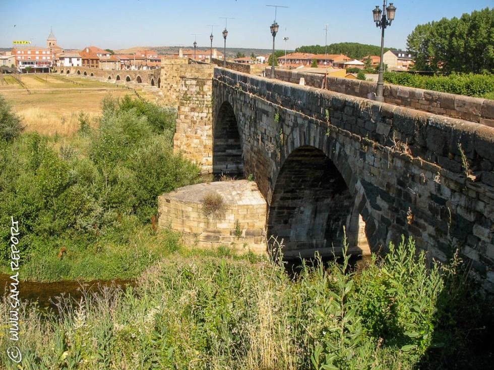 Was für ein schöner Empfang - über diese Brücke musst du gehn'