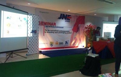 Seminar Kewirausahaan di JNE Semarang
