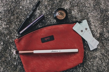 October Ipsy Bag - Urban Decay / 24-7 glide on eye pencil / perversion Tarte / deluxe lights, camera, lashes 4-in-1 mascara Hanalei / papaya enzyme powder cleanser Dirty Little Secret Cosmetics / eyeshadow / bronzed Firma Beauty / 201 tall blender brush