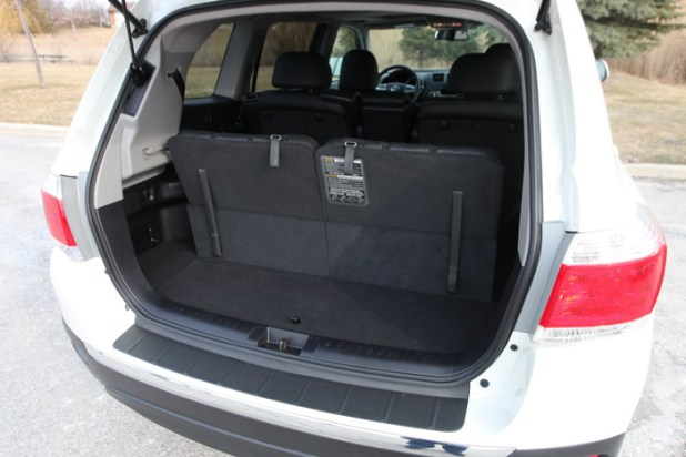 does toyota highlander have 3rd row seating. Black Bedroom Furniture Sets. Home Design Ideas