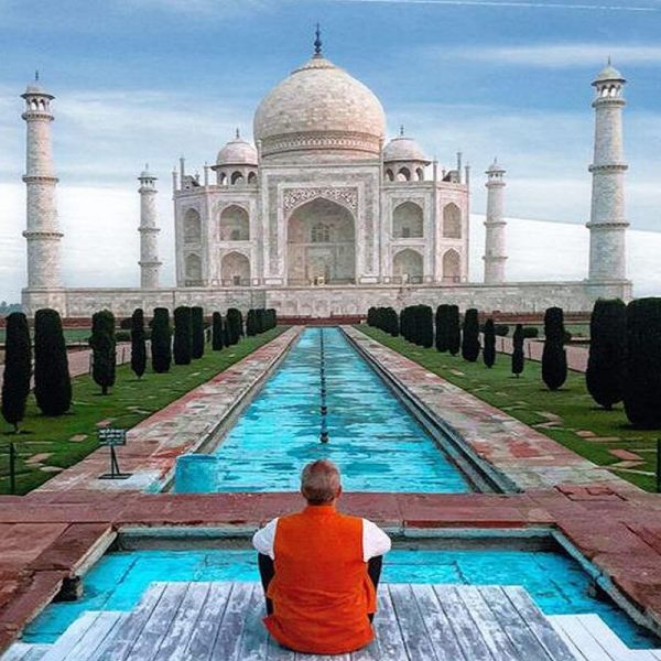 Breaking News : ताजमहल को बम से उड़ाने की धमकी, पर्यटकों निकाला गया