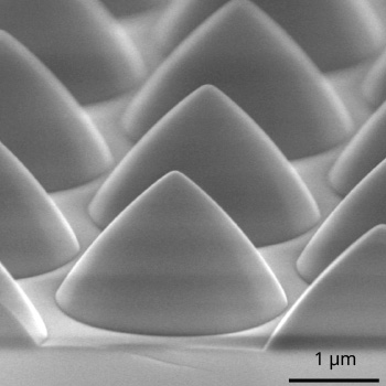 Patterned Sapphire Substrate (PSS) by plasma etching