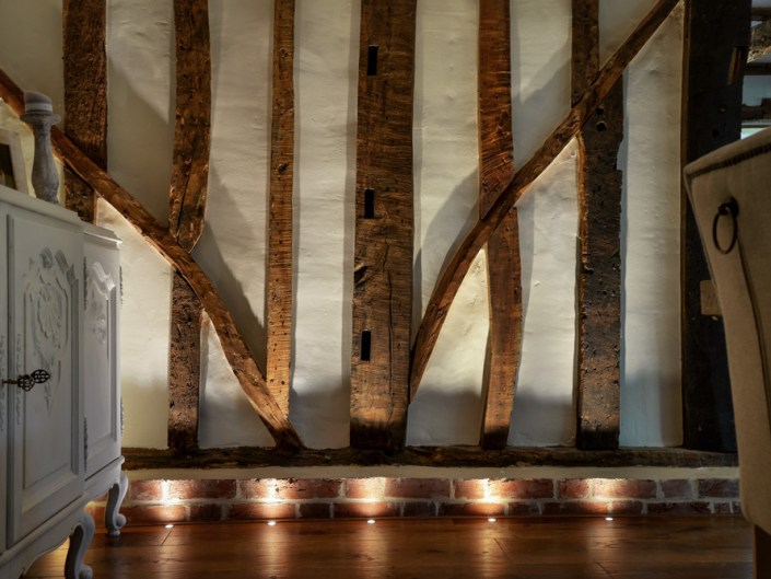 Lighting wooden beams