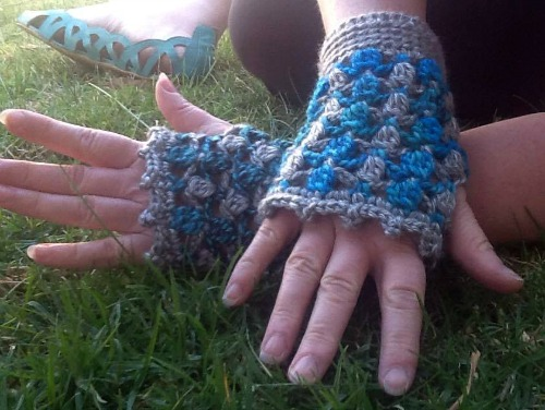 Floating Petals Fingerless Gloves Blue