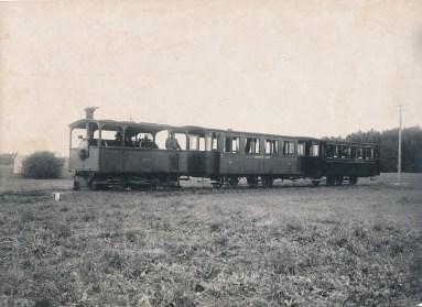 1904 Chiemsee-Bahn auf freier Strecke 2015 noerdlich Klinik Roseneck Haus B