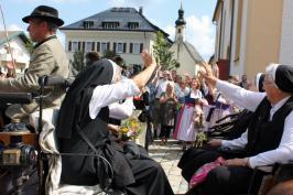 K1600_Aschau verabschiedet Klosterschwestern_Foto H. Reiter (20)