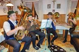 "Musikgruppe ""6-Zylinder"""