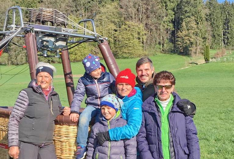 Familie Wallner am Korb