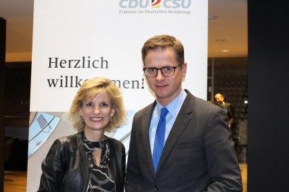 Daniela Ludwig, MdB und Dr. Carsten Linnemann, MdB, Stv. Vorsitzender der CDU/CSU-Bundestagsfraktion