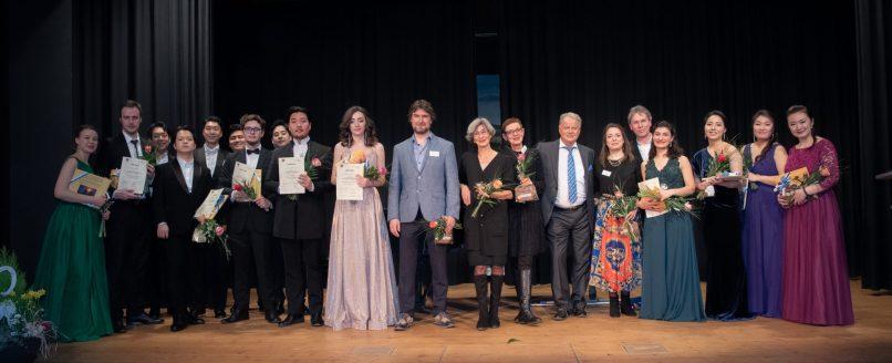 Finalisten und Jury des 12 Internationalen Gesangswettbewerbs Immling (c) Immling Festival - Nicole Richter