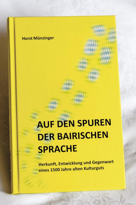 Pressefoto Buch Auf den Spuren der bairischen Sprache