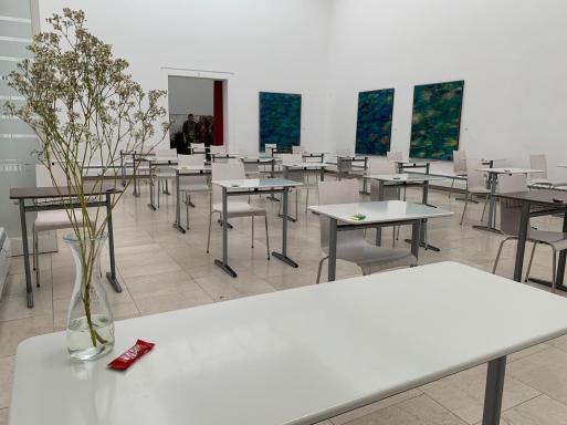 blick in die staedtische galerie klassenzimmer 2020 foto staedtische galerie rosenheim