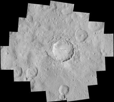 der-krater-haulani-auf-ceres