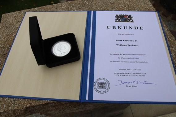 Denkmalschutzmedaille_Medaille mit Urkunde_1000