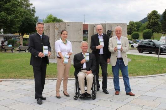 Landrat Otto Lederer, Viktoria Gruber, Hans-Joachim Gruber, Prof. Walter J. Mayr und Christoph Maier-Gehring