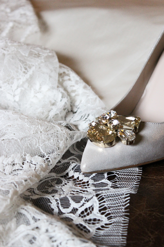 Shoes with lace and silk