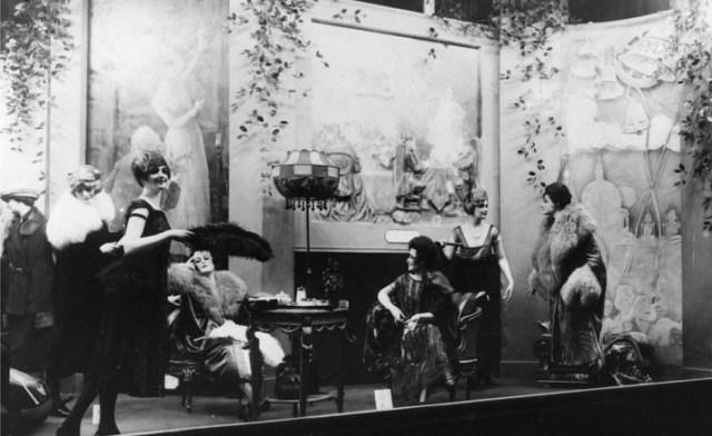 SELFRIDGES 1920S