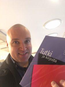 Harri Heikkinen Tutki ja kirjoita -kirja