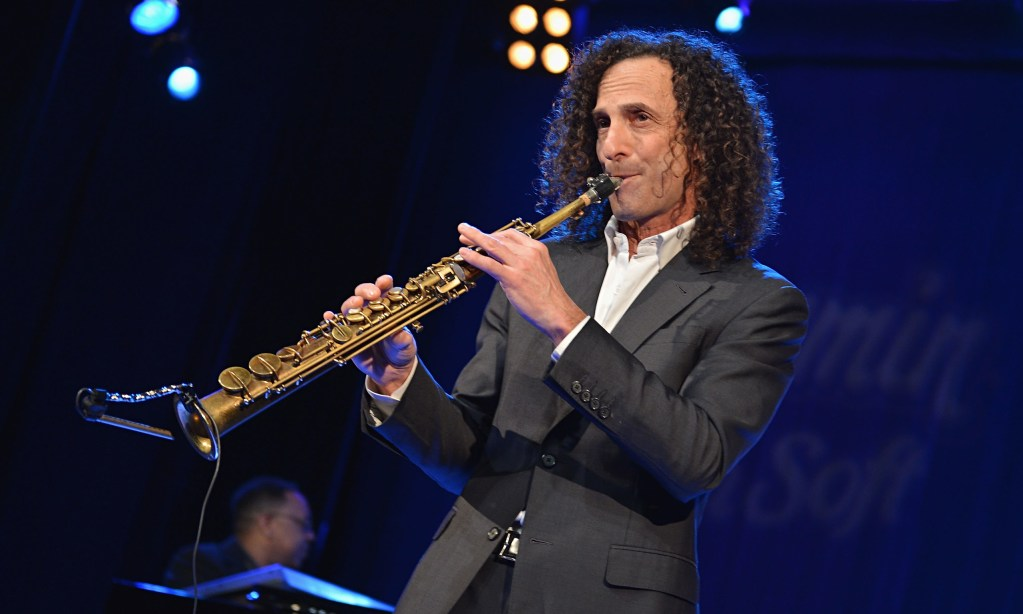 Delta Joins the Airline Abuse Movement After Kenny G Holds Impromptu Concert for Passengers