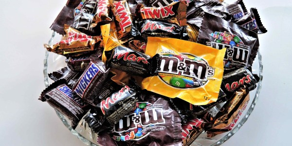 Most Obvious Survey Ever Shows That Parents Eat Their Kids' Halloween Candy