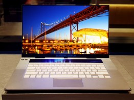 4K OLED laptop display