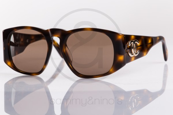 vintage-chanel-sunglasses-01451-90s-1