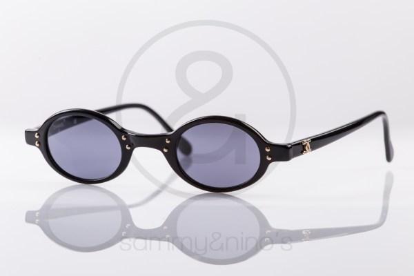vintage-sunglasses-chanel-02467-black-gold1