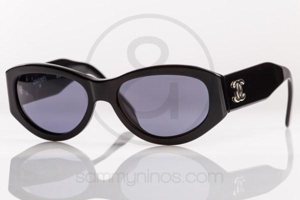 vintage-chanel-sunglasses-06916-lunettes-1