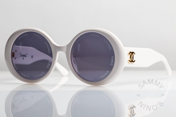 chanel-sunglasses-vintage-01949-white-1993-ss-rihanna-1