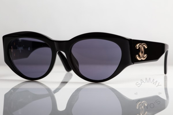 chanel-sunglasses-vintage-04152-90s-1