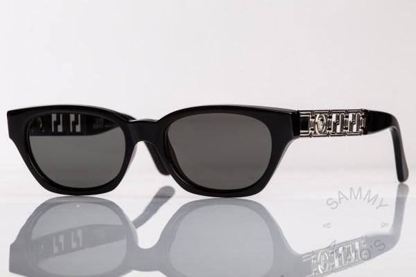 vintage-versace-sunglasses-467-90s-1