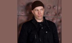 Jef Stot brings worldly sounds to Samovar during Sunday Brunch,