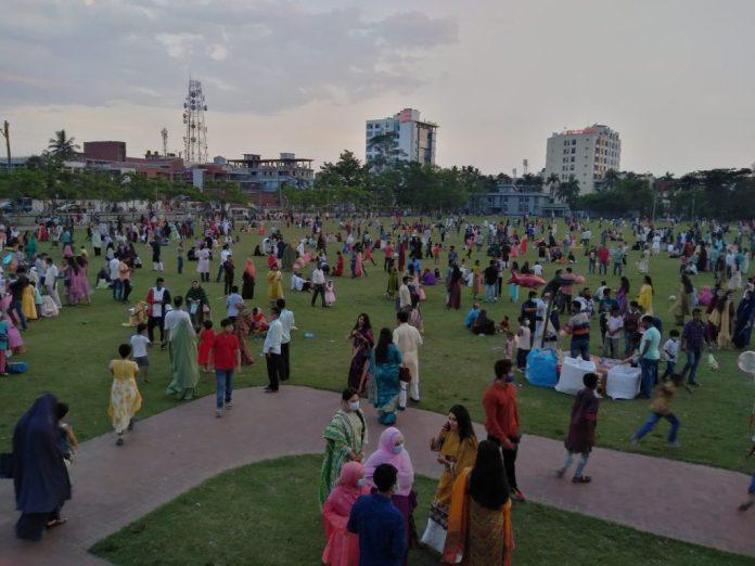3 7 বরিশালে বিনোদন কেন্দ্র গুলি উপচে পড়ছে ভীড়