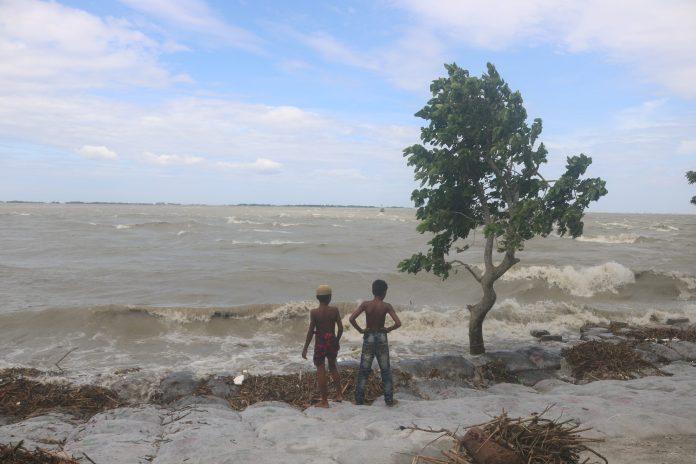 Bhola Meghna river Tulatuli point photo collected with news scaled ভোলার মনপুরায় মেঘনা নদীতে শিশুর মর্মান্তিক মৃত্যু