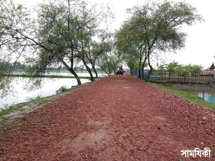 IMG20210531132008 রামপালে গুরুত্বপূর্ণ কয়েকটি সড়কের বেহালদশা, জনদূর্ভোগ চরমে