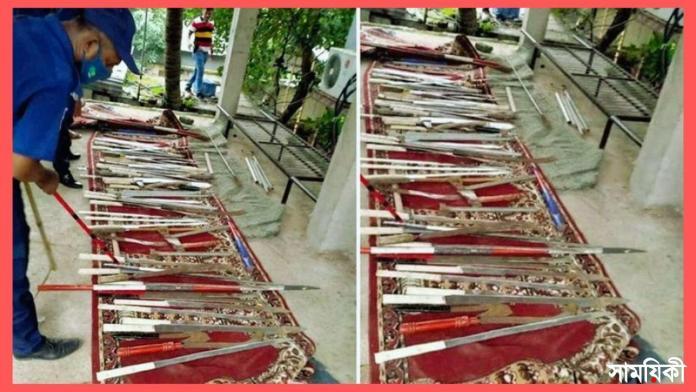 mm নারায়ণগঞ্জের মসজিদের অজুখানায় শতাধিক অস্ত্র উদ্ধার, গ্রেফতার ১