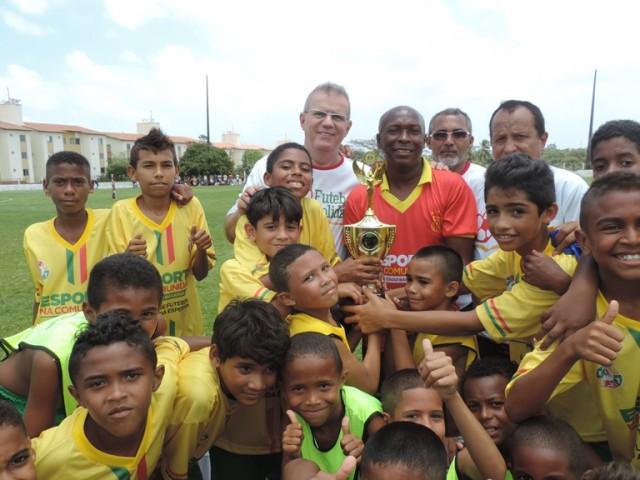 Comandada pelo treinador Pimentel, equipe do Alto da Esperança venceu o torneio