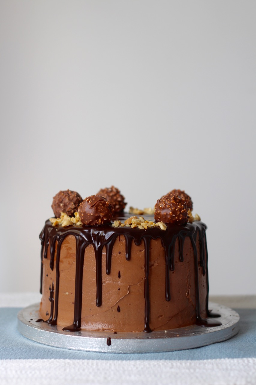 ferrero-rocher-chocolate-drip-cake
