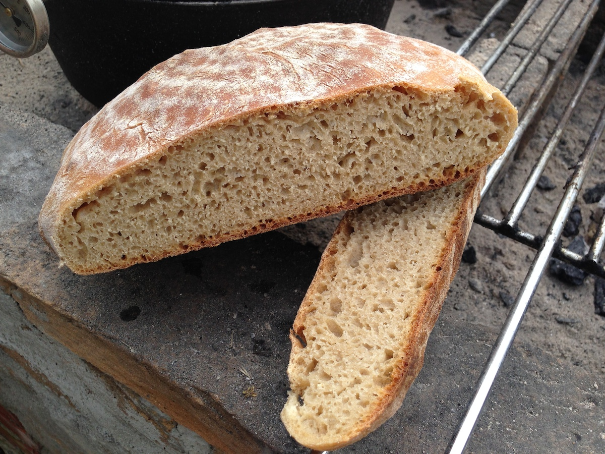 Mediterranes Landbrot  (Dutch Oven)