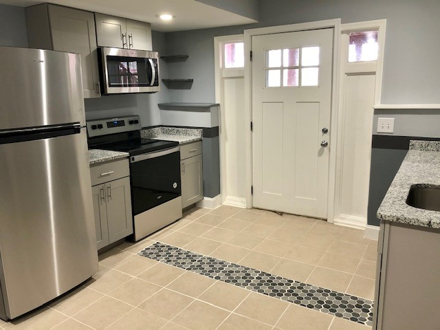 Gorgeous Basement Apartment in a quiet neighborhood with beautiful backyard