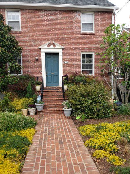 Basement Studio Apartment – Short walk to NIH/Walter Reed