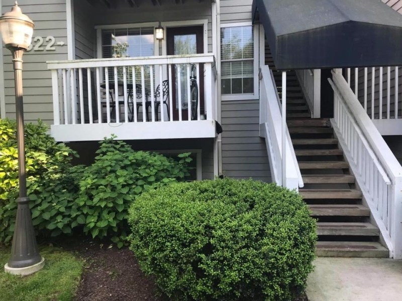 LOOKING FOR a ROOMMATE!  RENT IS NEGOTIABLE!!  ALL UTILITIES INCLUDED!! 3Bed/3Full Bath–each room own bathroom