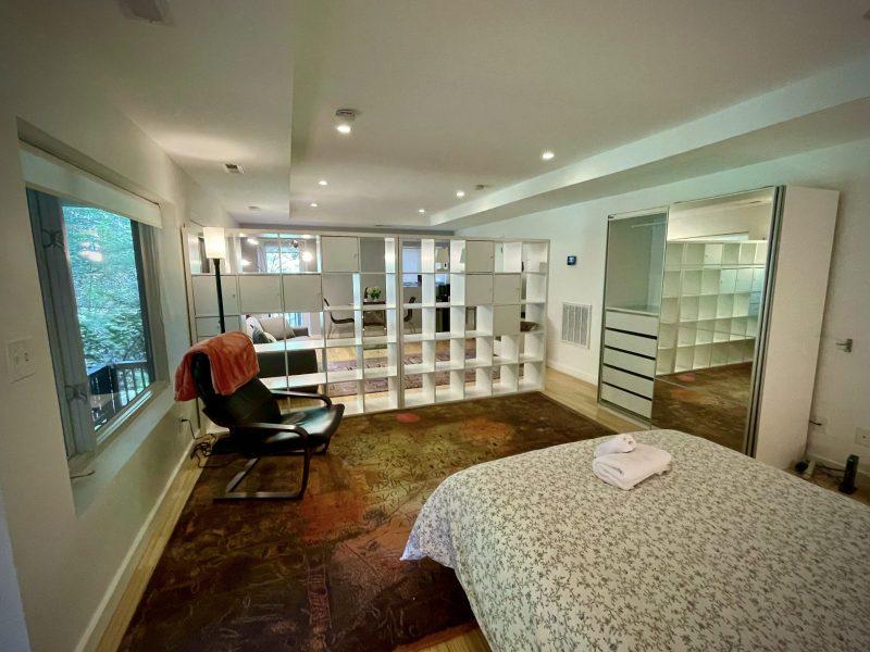 Modern, Luminous Studio in Bethesda, Fully Furnished