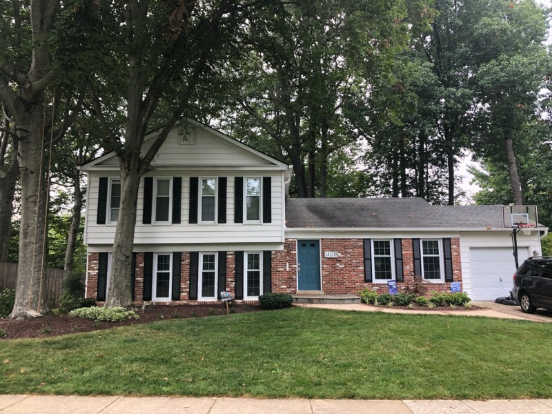 Spacious Rockville home in great neighborhood close to NIH & Red Line