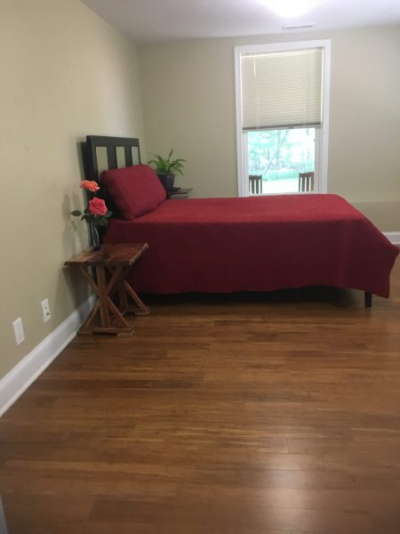 Private Room / Kitchen / Bathroom in SILVER SRPING /Quiet Neighborhood close to MTA to DC/VA
