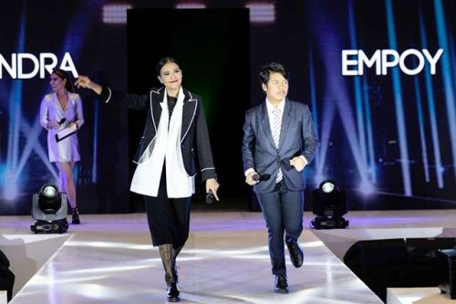 Alessandra de Rossi and Empoy with Acer and Salvatore Mann